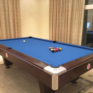 Interpool Brunswick table